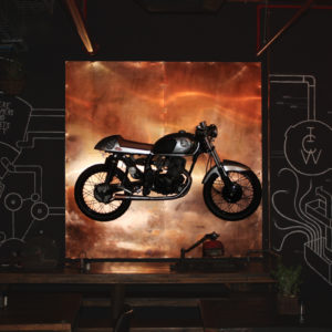 倒れたバイクを起こすバイクテク